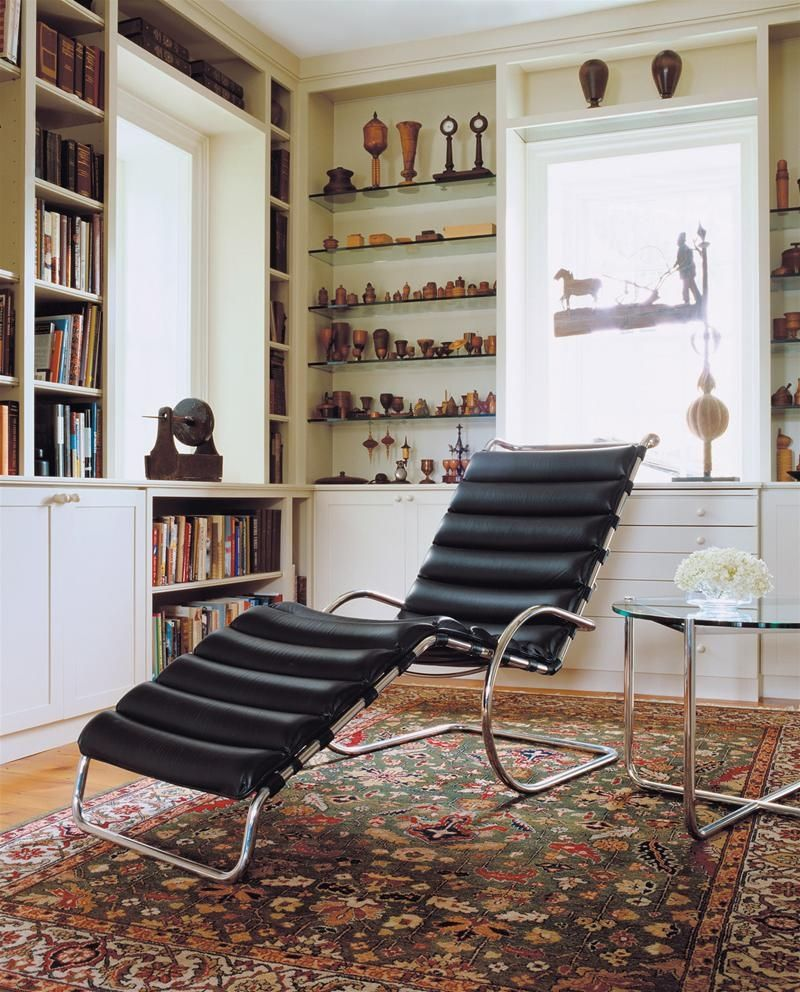 mies van der rohe chaise longue. Black Bedroom Furniture Sets. Home Design Ideas